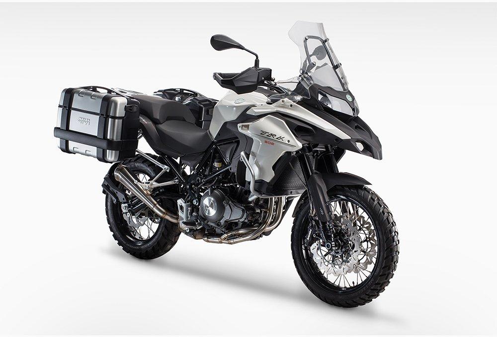 Noleggio una moto a Olbia: Benelli TRK 502